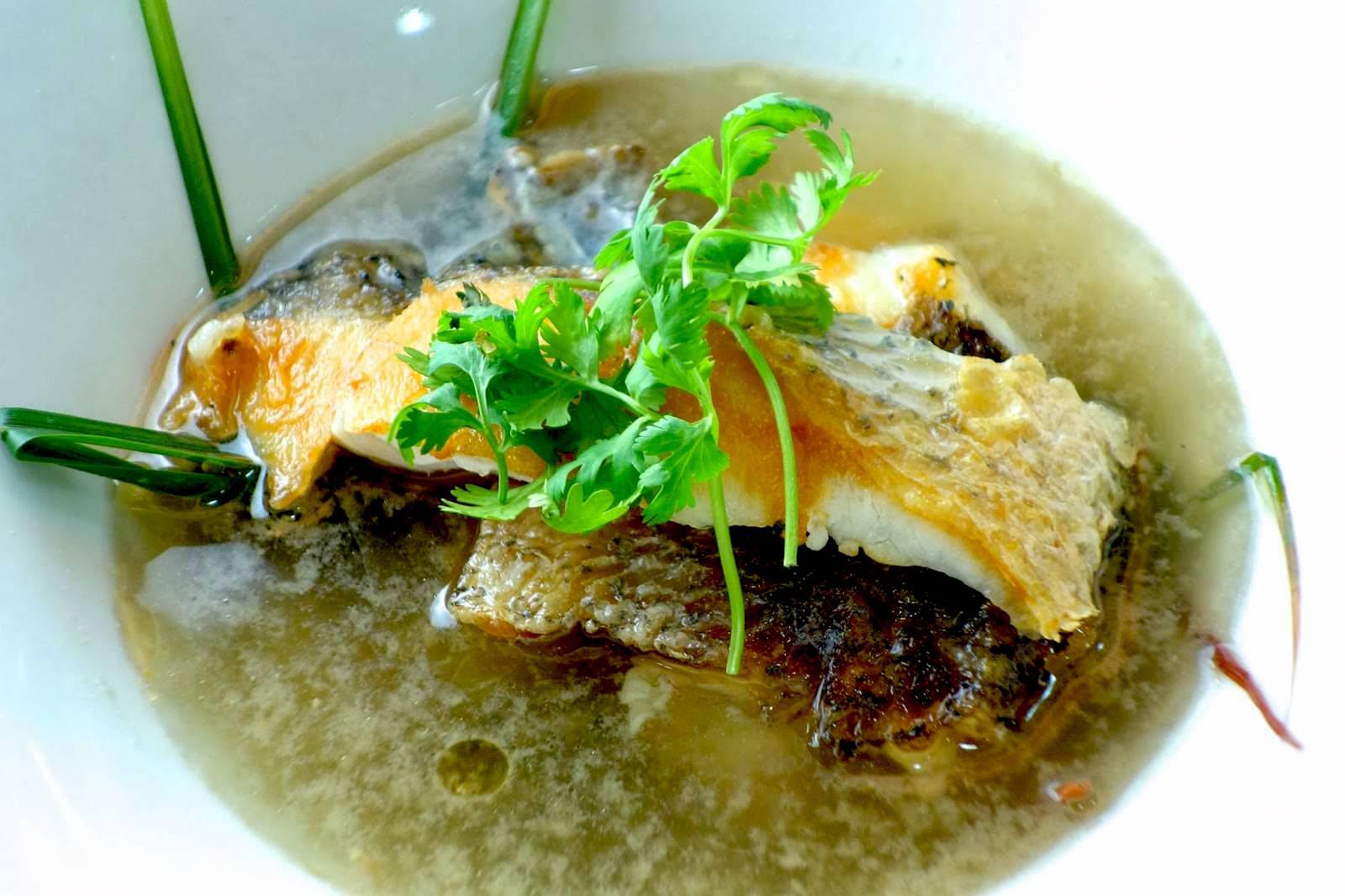 「嫩煮鱸魚湯 10 分鐘就能上桌!」只要多學這一招,魚肉會更營養香甜