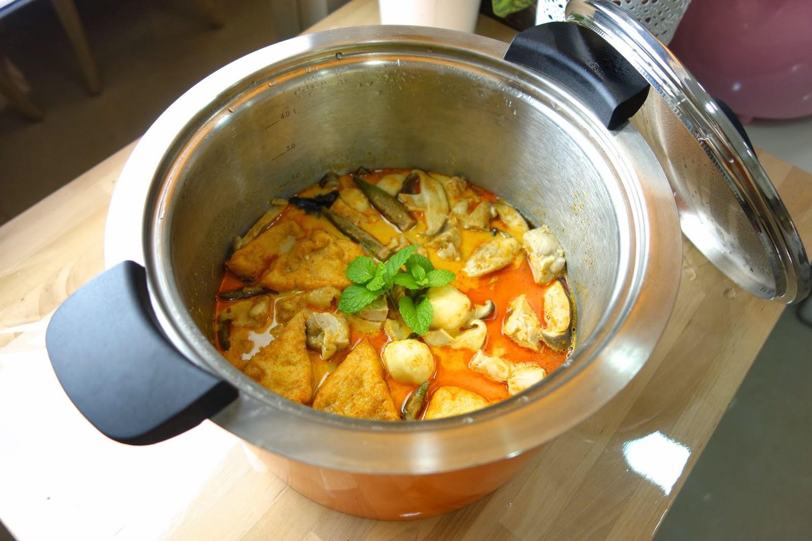 「為什麼叻沙可以有濃郁的椰香?」在家做一鍋兩用的南洋風美食,湯底濃郁又好吃!