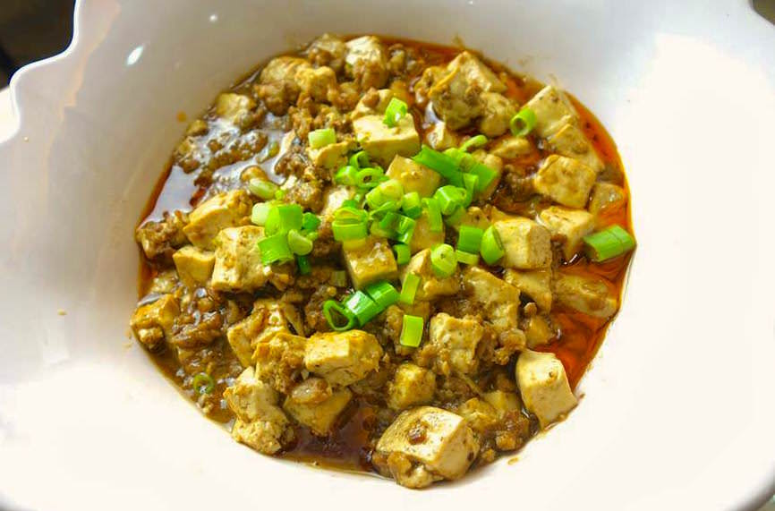 「 香而不爛的麻婆豆腐,到底有什麼技巧?」4 個步驟教你學會這道家常料理!