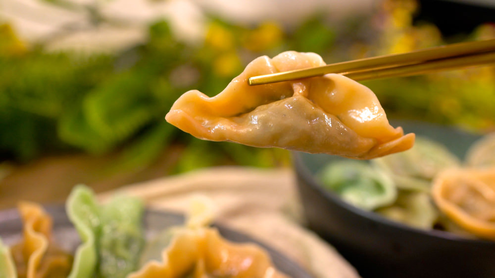 這樣做素菜水餃真的比肉還美味!滿足挑剔的嘴必學,蔬菜水餃一口接一口停不下來!