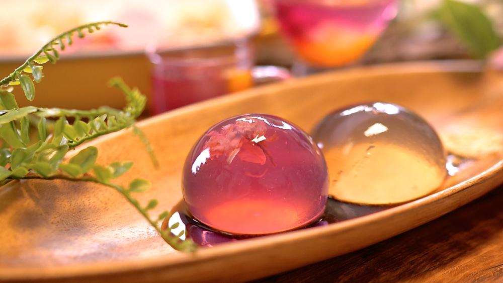 世界最簡單的甜點水信玄餅 ,自製水果凍一起學會,入口即化雨滴蛋糕