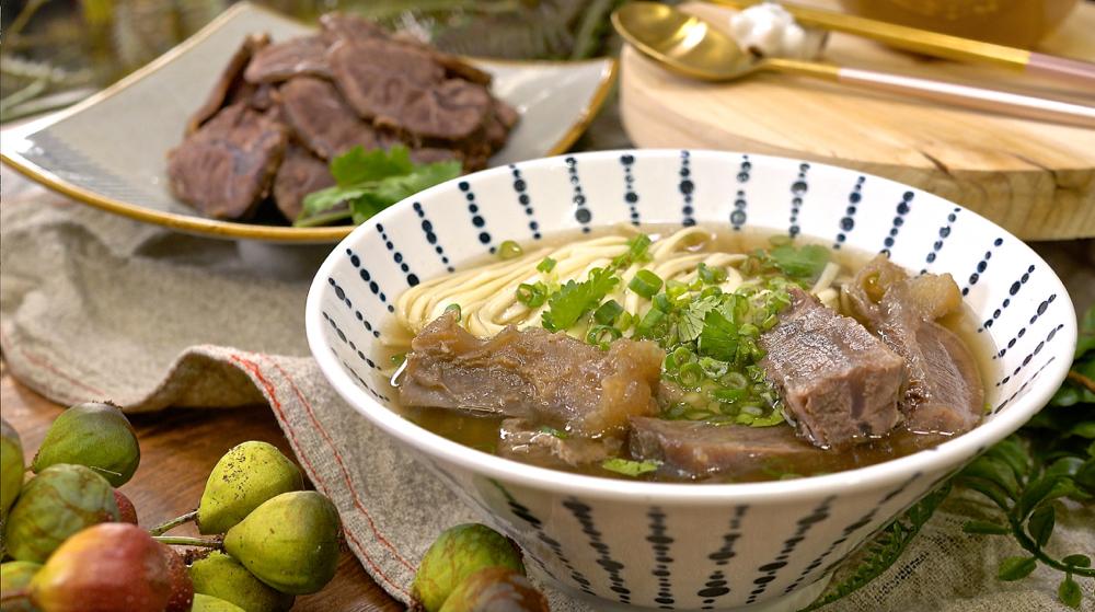 Vivian 的私房牛肉湯,備料超簡單,用電鍋就能搞定!